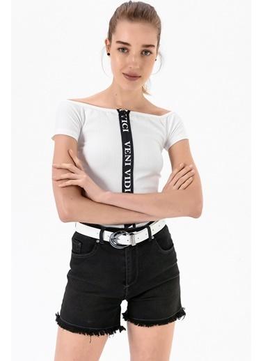 Emjey Önü Fermuarlı Madonna Yaka Bluz Beyaz